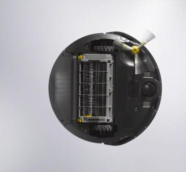 Roomba 600 Series_Photo_Insitu_3stage_Underside_Sans debris